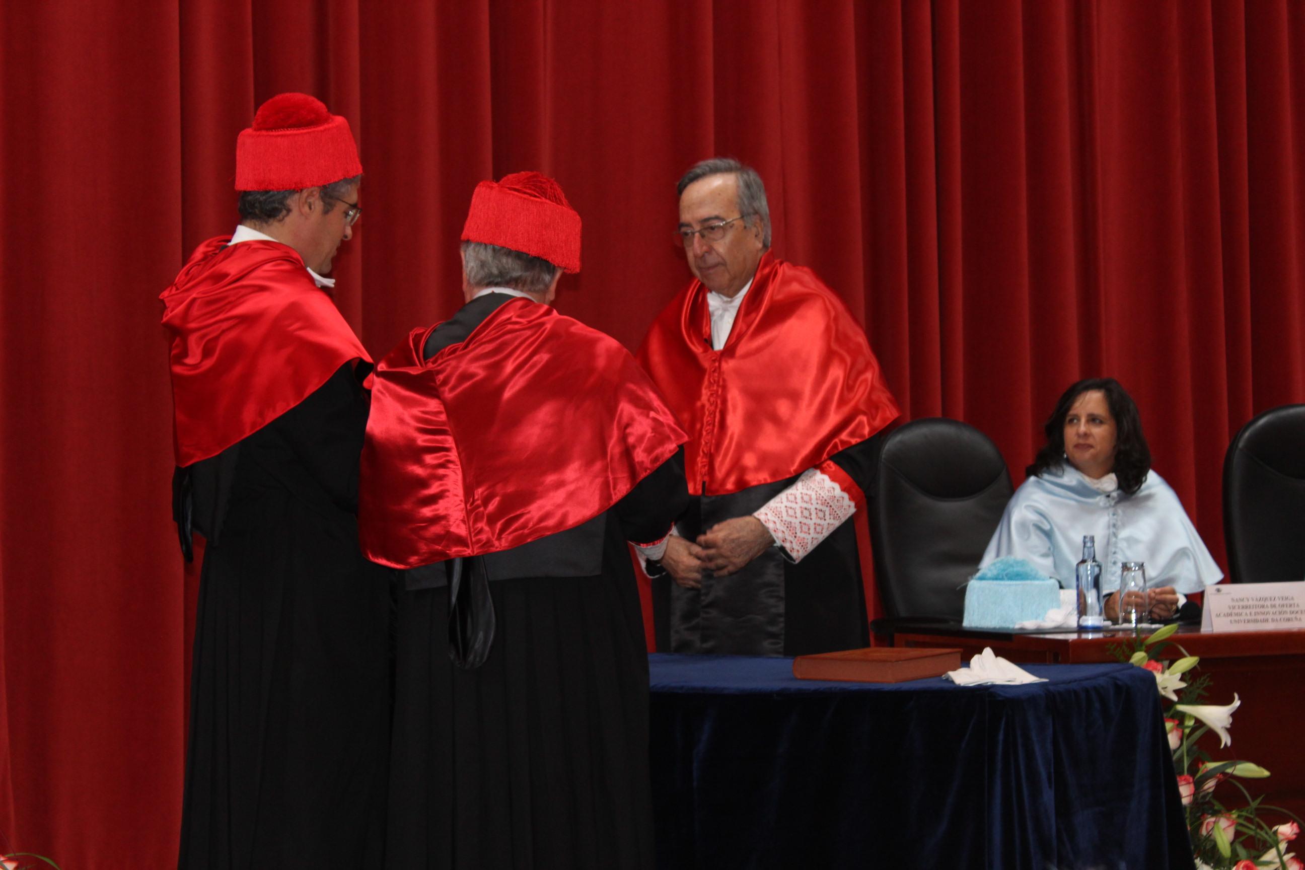 De izqda. a dcha.: Carlos Aymerich, Carlos Martínez-Buján, Enrique Orts, Nancy Vázquez Veiga