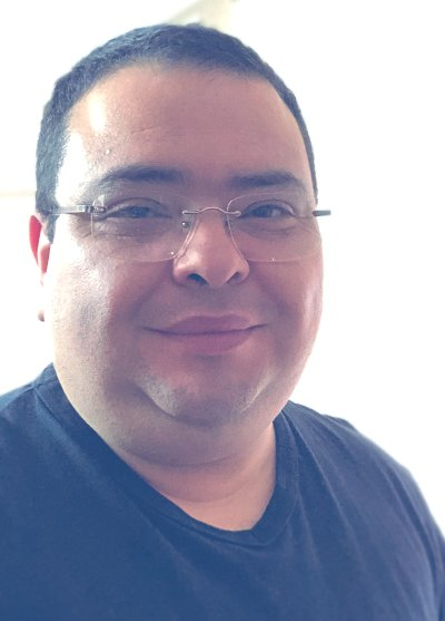 Roberto Andrés Navarro Dolmestch